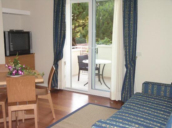 Aparthotel England: Soggiorno suite Prestige con vista sul balcone