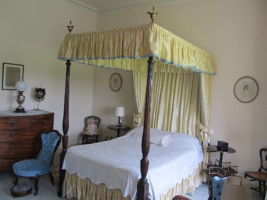 Melford Hall Beatrix Potter Inspired Bed Bedroom