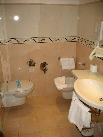 Aparthotel England: Bagno suite Executive