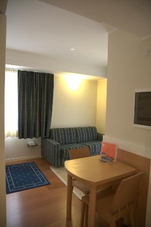 Aparthotel England: Soggiorno suite Executive visto dall'ingresso