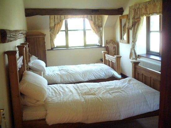 Ashbrook Towers Farm B&B: Twin Room
