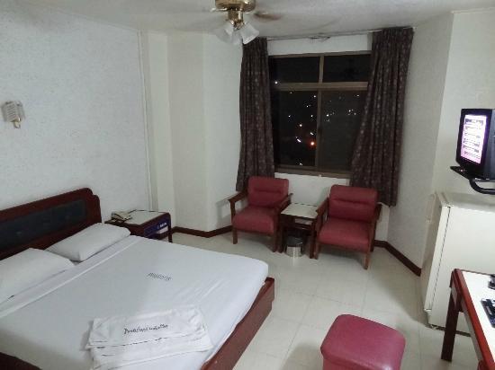 River Grand Hotel