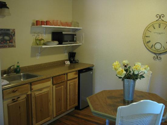 Shingletown, Californie : Stocked kitchenette