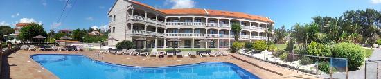 Apartamentos Coral do Mar II: PISCINA