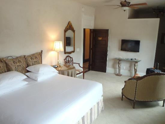 Palace Hotel: Room 307