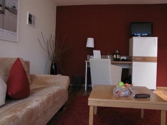 Schiefer Hotel: living room