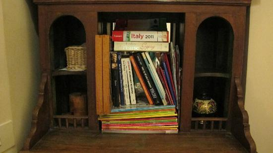 Campanella3: A bookshelf in the hallway