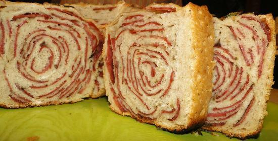 Di Farina Pizzeria :  O pão de calabresa é uma dadiva da gastronomia !!!