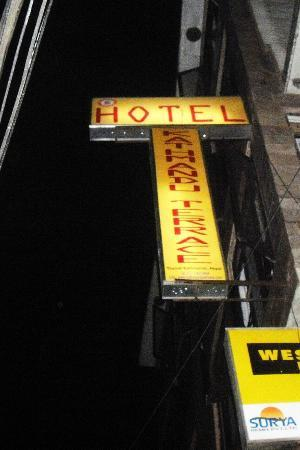Hotel Kathmandu Terrace: the sign to look out for amongst a million others!