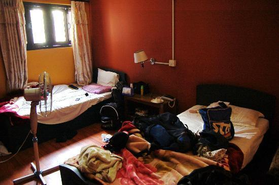 Hotel Kathmandu Terrace: a twin bed room