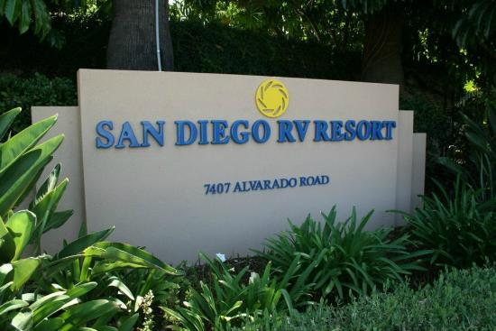 San Diego RV Resort : Park Entrance