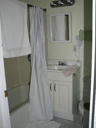 Crest Motel: salle de bain
