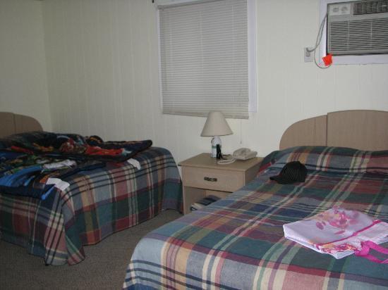 Crest Motel: chambre
