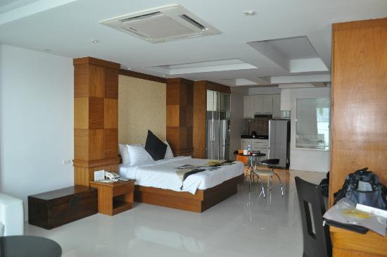 Rayaburi Beach Club Hotel: Room