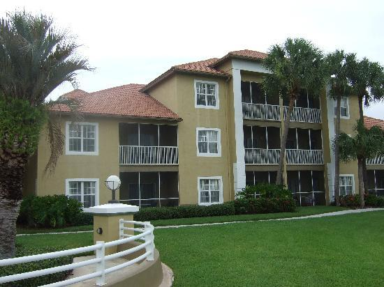 "Sheraton PGA Vacation Resort Villas: The apartment block ""villa"""