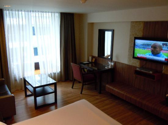 Dynasty Grande Hotel: Room