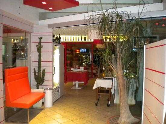 Lo Storione : entrata ristorante