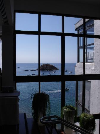 Premier Gran Hotel Reymar & Spa: encore une superbe vue depuis une des salles du restaurant