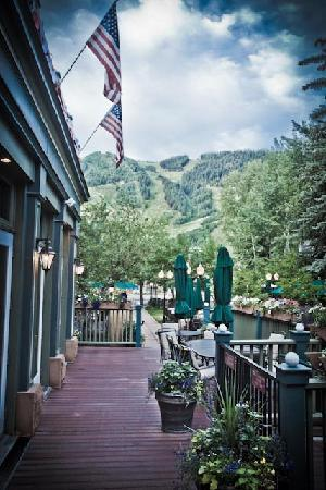 Hotel Jerome, An Auberge Resort : Jerome outdoor patio