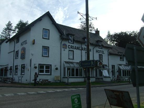 The Crianlarich Hotel Restaurant: Front View