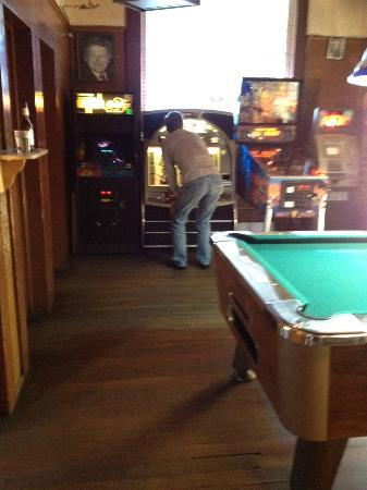 The Casino Bar & Grill: Great Jukebox