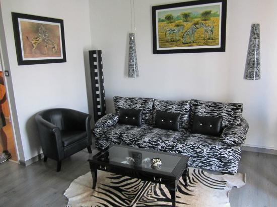"Asty Hotel: Stay on the wild side in the ""zebra suite""!"