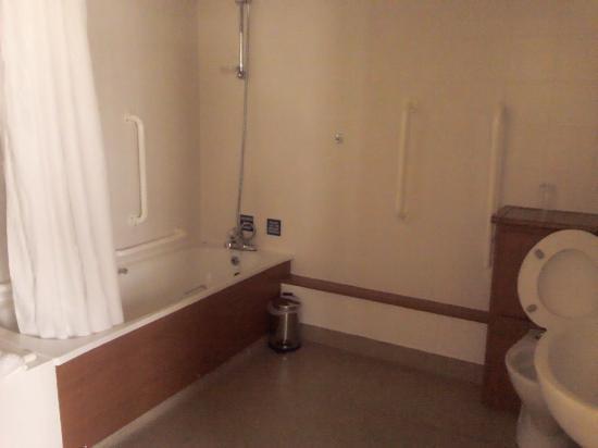 The Fairway, Barnsley: Disabled Bathroom