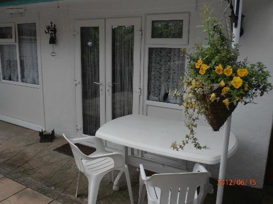 Woodlands Guest House: The Garden Chalet