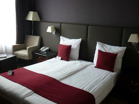 NH Brussels Carrefour De L'Europe : Bedroom