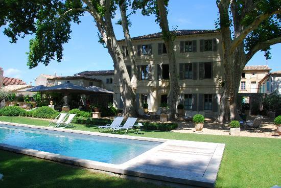 La Bastide de Boulbon: Pool