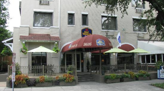 Best Western Plus St. Charles Inn: street view