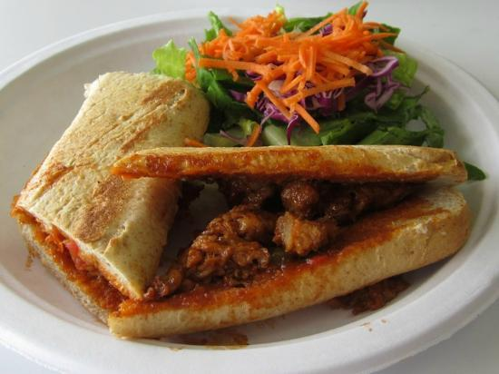Vegetarian Restaurant by Hakin : No Bull BBQ Beef Sandwich (YUM!)