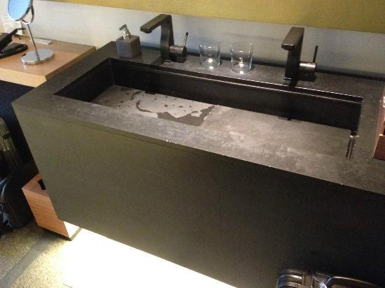 Hotel Kanra Kyoto: The basin