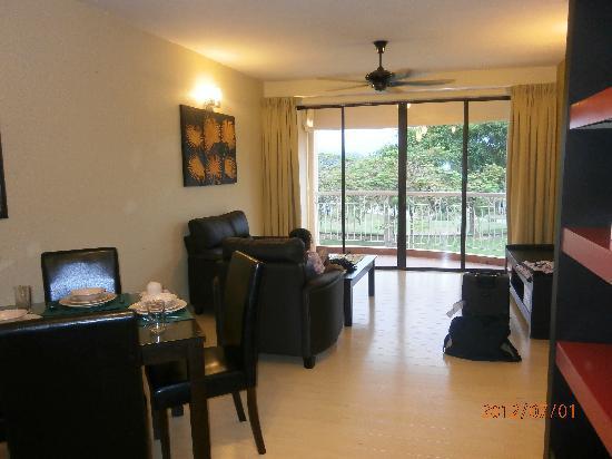 Mayangsari Suite A'Famosa: living room v2