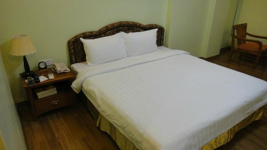 Best Western Green Hill Hotel : Bed