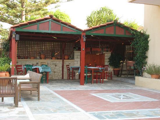 Kaliviani Traditional Hotel: AREA COLAZIONE