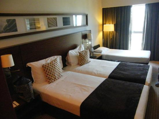 Lagoas Park Hotel: our room...