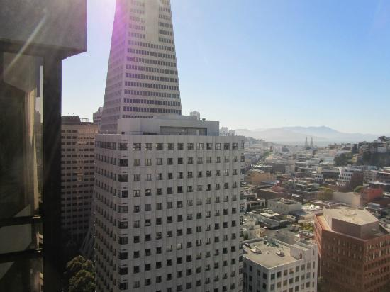 Le Meridien San Francisco: Transamerica building from the room
