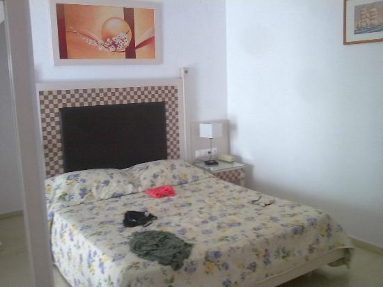 Domna Petinaros Apts Hotel Mykonos: camera arredi