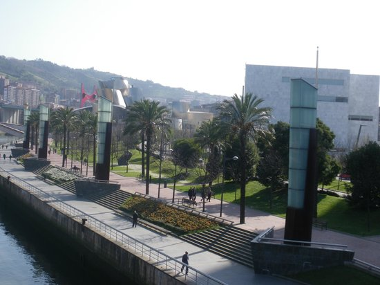 Bilbao greeters private day tours 2019 qu saber antes for Hoteles en bilbao con piscina
