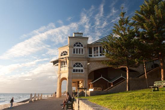 Cottesloe Beach: Indiana Tea House at sunset