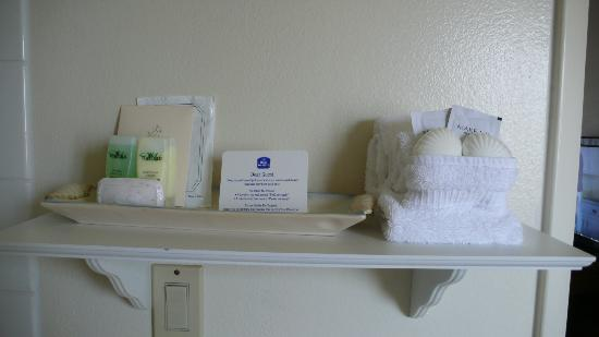 Best Western El Rancho: Some of the complimentary toiletries