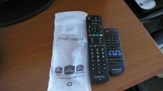 BEST WESTERN El Rancho: Remote controllers- fresh from the wrapper