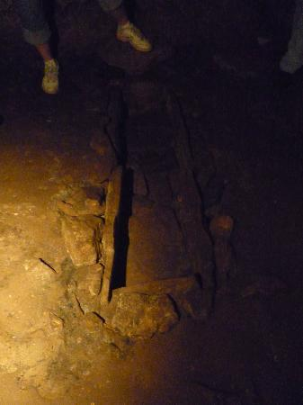 Bell Witch Cave and Cabin: stone coffin