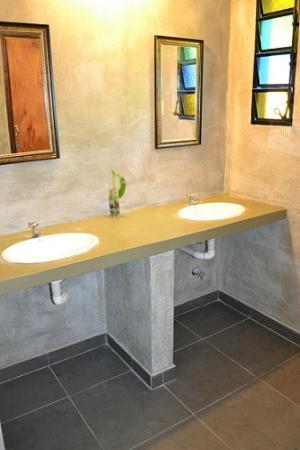 Hostal El Jardin : Bathroom