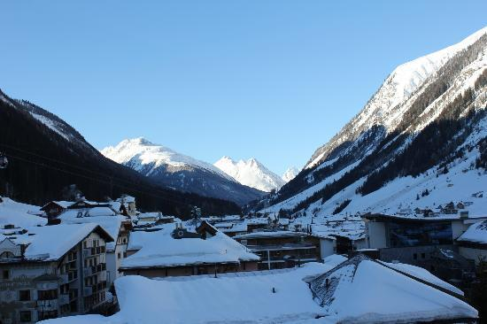 Hotel Christine: Early afternoon in Ischgl