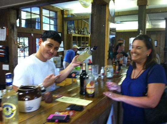 Firefly Distillery: Friendly staff