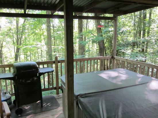 Getaway Cabins: Deck