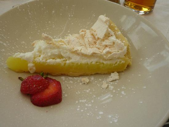 llanfabon inn: lemon meringue