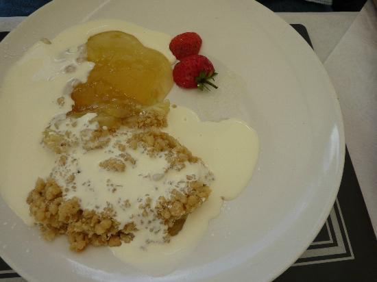 llanfabon inn: dessert